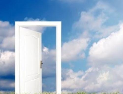 La fiducia e il rischio di investire tutto per i  più deboli è una porta aperta verso il cielo.